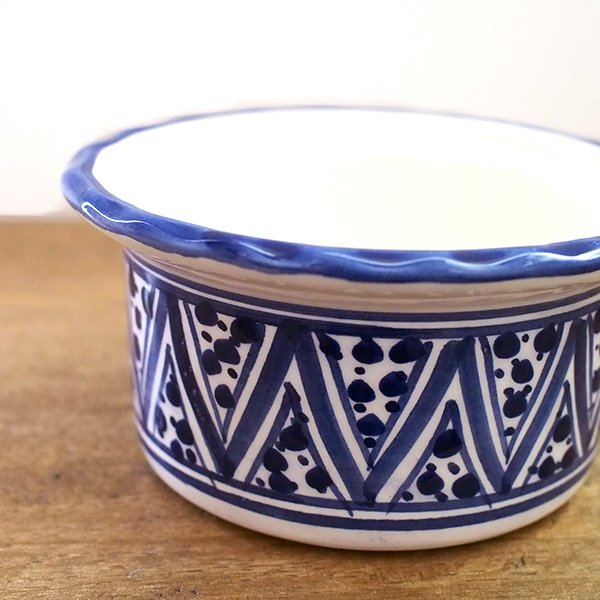 チュニジア SLAMA製 手描き 蓋付き 小物入れ(ブルー 8.5cm)【画像2】