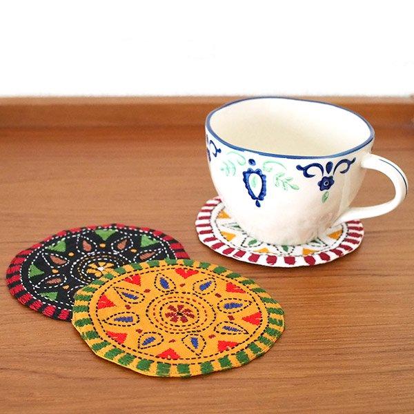 インド カンタ刺繍のコースター(3色)