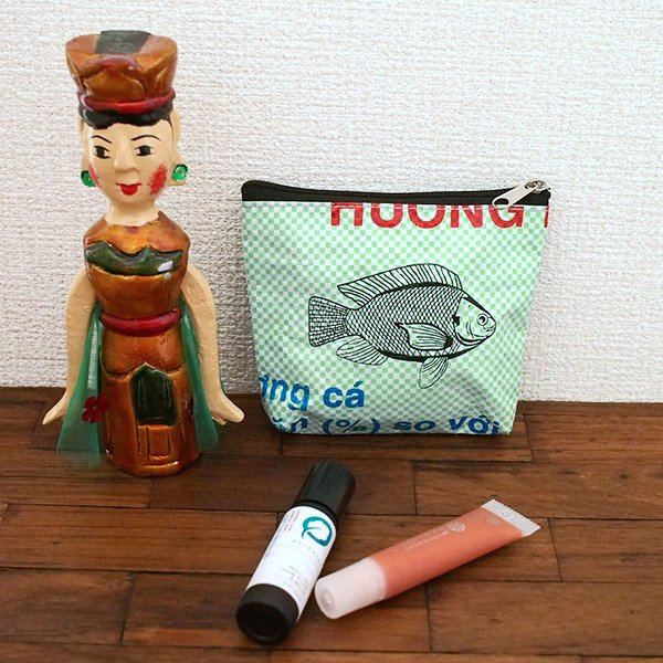 ベトナム 飼料袋 リメイク ポーチ(魚)【画像4】