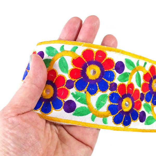 インド ミラーワーク チロリアンテープ ハンドメイド素材 (お花 幅7.5cm/1m単位売り)【画像3】