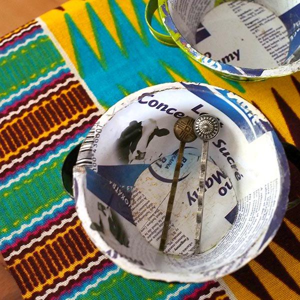 マダガスカル  リサイクル缶の小物入れ