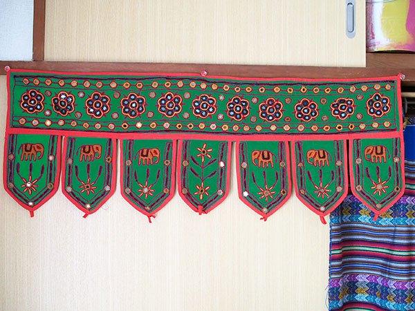インド 刺繍 タペストリー  飾り(ゾウ 花 グリーン)【画像8】