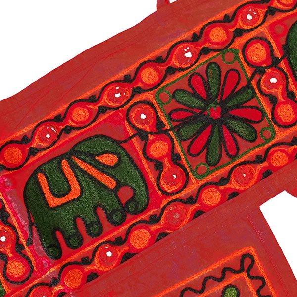 インド 刺繍 タペストリー  飾り(ゾウ・花 ・タッセル レッド)【画像6】
