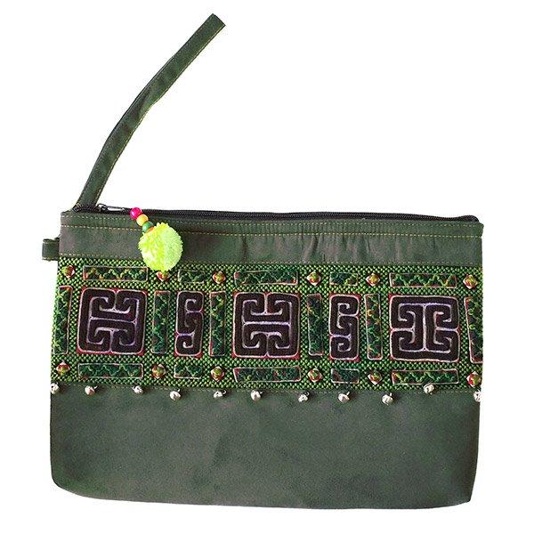【送料無料】ベトナム 少数民族 モン族 刺繍 クラッチバッグ(鈴付き)