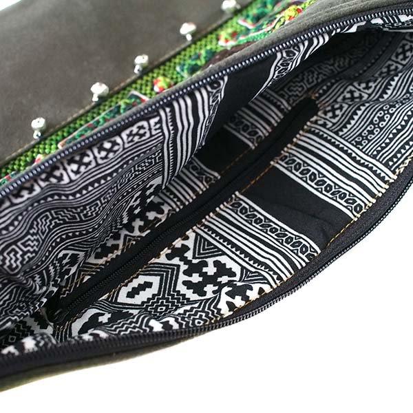 【送料無料】ベトナム 少数民族 モン族 刺繍 クラッチバッグ(鈴付き)【画像6】