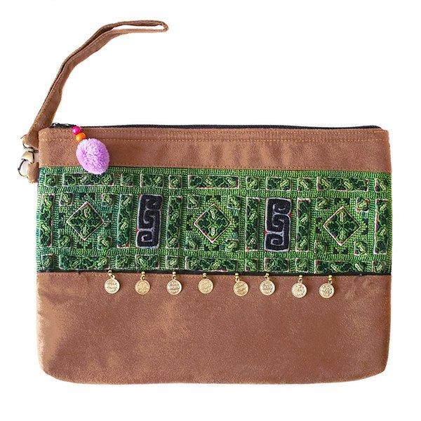 ベトナム 少数民族 刺繍 クラッチバッグ(飾り付き)
