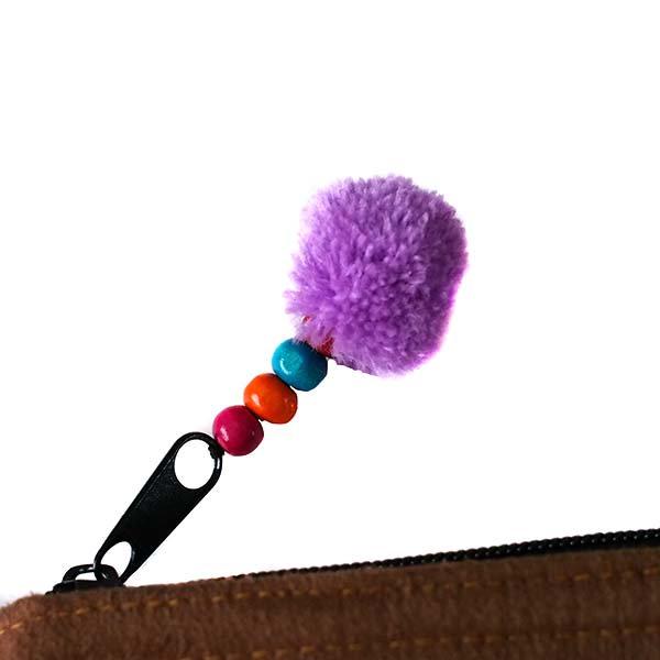 ベトナム 少数民族 黒モン族 刺繍 クラッチバッグ(飾り付き)【画像4】