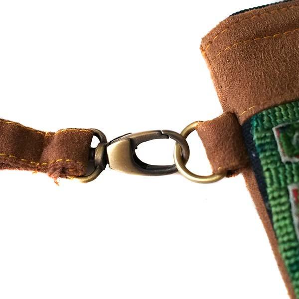 ベトナム 少数民族 黒モン族 刺繍 クラッチバッグ(飾り付き)【画像6】