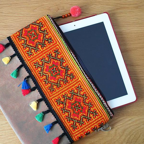 ベトナム 少数民族 モン族 刺繍 クラッチバッグ(タッセル付き オレンジ)【画像7】