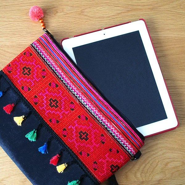 ベトナム 少数民族 モン族 刺繍 クラッチバッグ(タッセル付き レッド)【画像7】