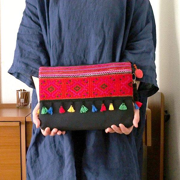 ベトナム 少数民族 モン族 刺繍 クラッチバッグ(タッセル付き レッド)【画像8】