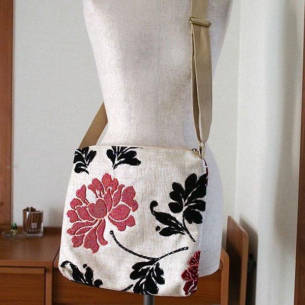 ベトナム 花刺繍 ビーズバッグ
