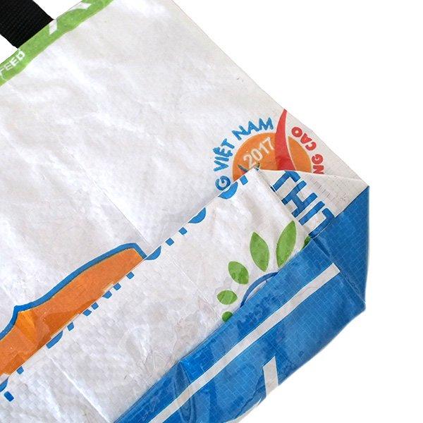 ベトナム 飼料袋 リメイク バッグ(マチ付き ニワトリ 小)【画像4】
