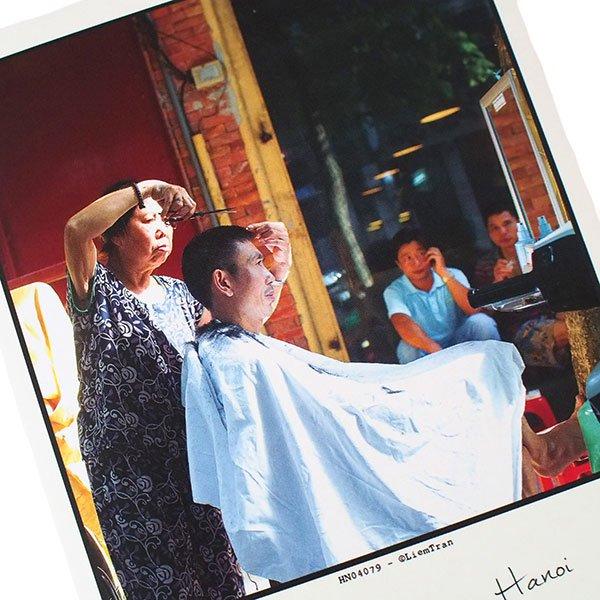 ベトナム ポストカード【ハノイの街のお手入れ屋さん】Public manicure, Hanoi【画像2】
