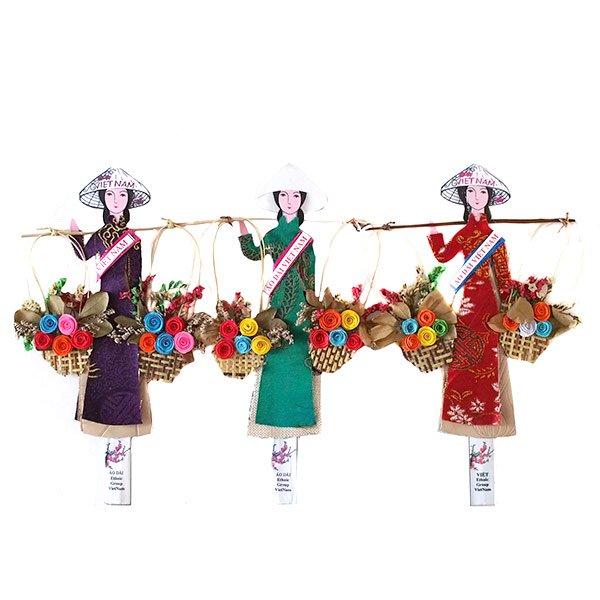 ベトナム しおり(アオザイ 天秤棒と花 1)