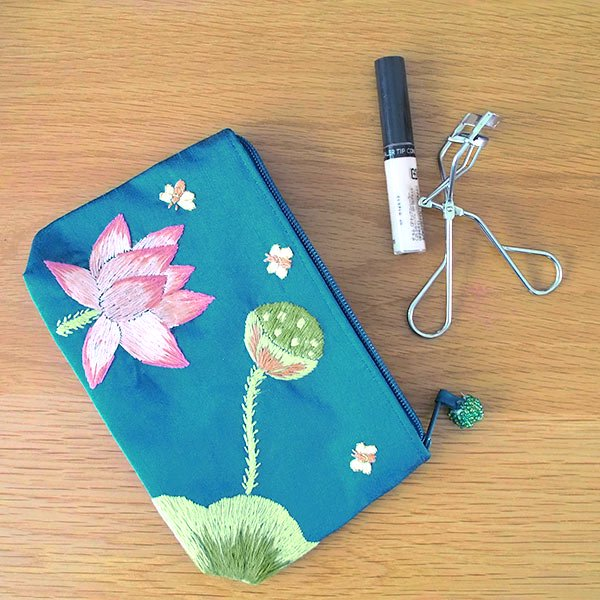 ベトナム 蓮の花(ロータス)刺繍 ポーチ(ビーズ付き ブルーグリーン)【画像8】