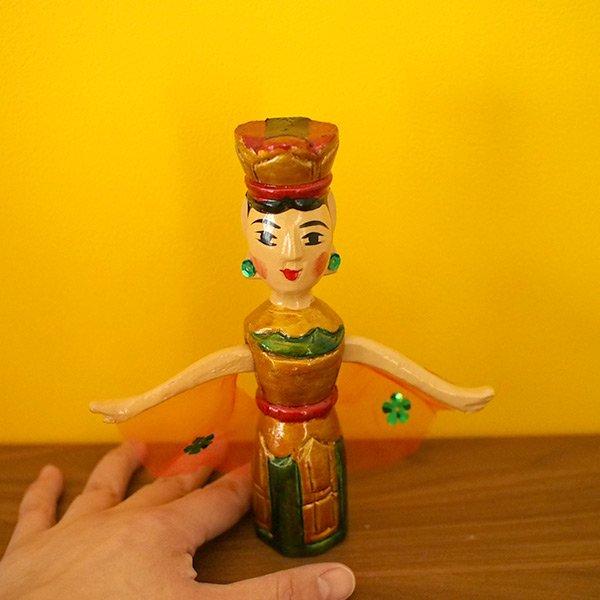 ベトナム 水上人形劇 木の人形(マントを広げる女性   小)【画像5】