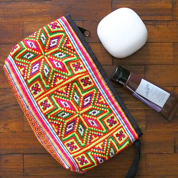 ベトナム モン族 刺繍 ポーチ