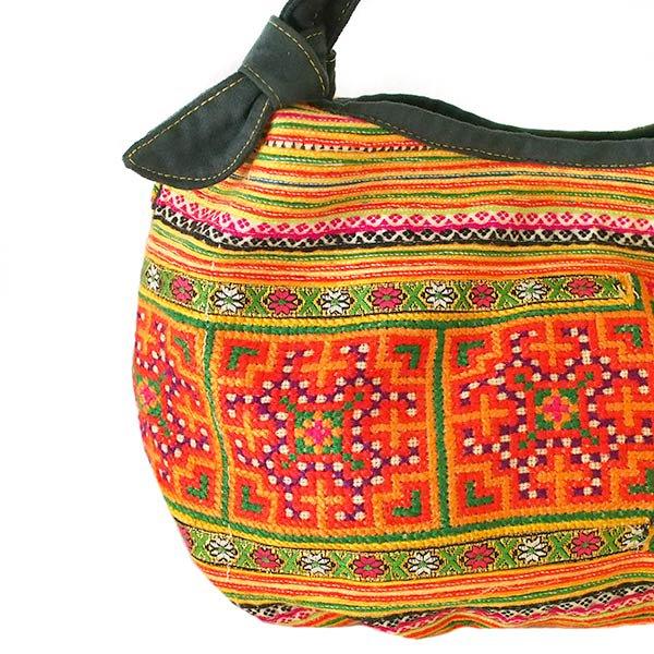 ベトナム 少数民族 モン族 刺繍  トートバッグ(オレンジ系)【画像2】