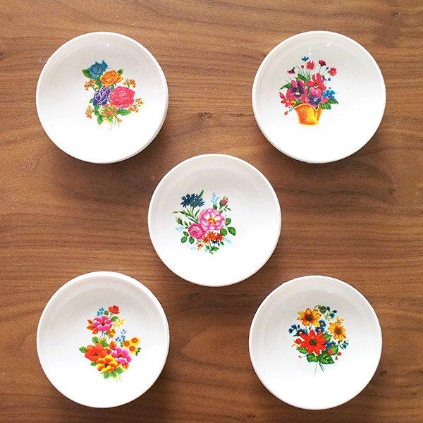 ベトナム 花柄 プラスチック 小皿(直径 約8cm 高さ 2.5cm)