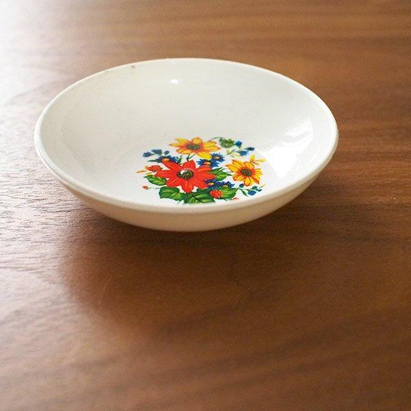 ベトナム 花柄 プラスチック 小皿(直径 約8cm 高さ 2.5cm)【画像7】