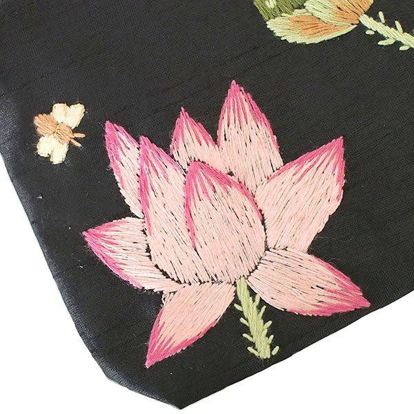ベトナム 蓮の花(ロータス)刺繍 ポーチ(ビーズ付き ブラック)【画像3】