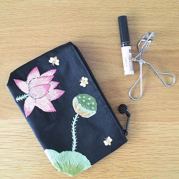ベトナム 蓮の花(ロータス)刺繍 ポーチ(ビーズ付き ブラック)【画像8】