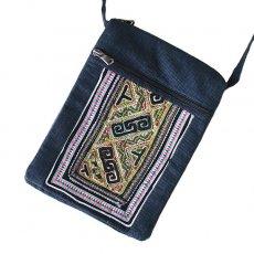 ベトナム 少数民族 黒モン族 古布 刺繍  ポシェット (A 25×18)民族 刺繍 / ベトナム直輸入