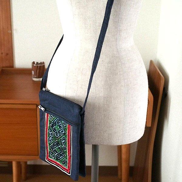 ベトナム 黒モン族 古布 刺繍  ポシェット (B)【画像9】
