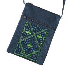 ベトナム 少数民族 黒モン族 古布 刺繍  ポシェット (C 25×18)民族 刺繍 / ベトナム直輸入