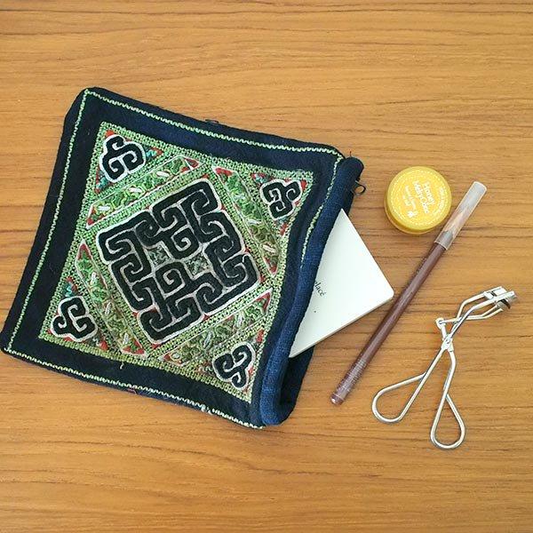 黒モン族 古布 刺繍 ポーチ(正方形 A 17×16)民族 刺繍 / ベトナム直輸入【画像6】