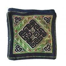 ベトナム 少数民族 黒モン族 古布 刺繍 ポーチ(正方形 A 17×16)民族 刺繍 / ベトナム直輸入