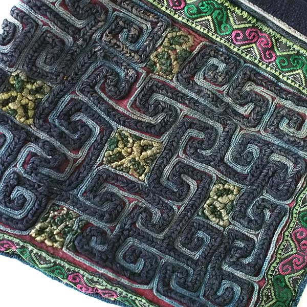 【送料無料】ベトナム 黒モン族 古布 刺繍 ポーチ(正方形 B)【画像3】