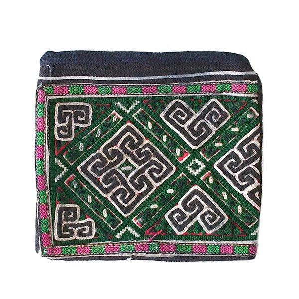黒モン族 古布 刺繍 ポーチ(正方形 C 17×18)民族 刺繍 / ベトナム直輸入