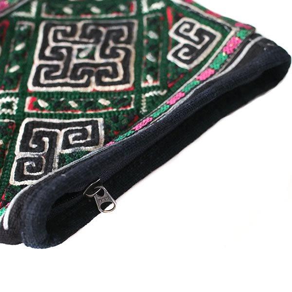 黒モン族 古布 刺繍 ポーチ(正方形 C 17×18)民族 刺繍 / ベトナム直輸入【画像4】