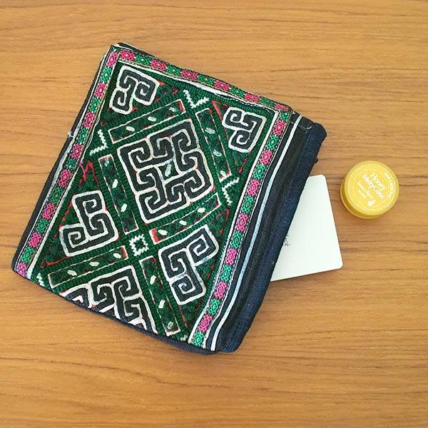 黒モン族 古布 刺繍 ポーチ(正方形 C 17×18)民族 刺繍 / ベトナム直輸入【画像6】