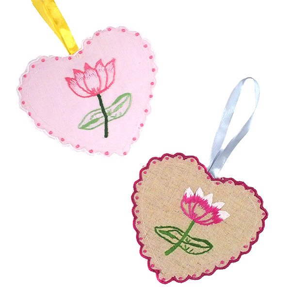 ベトナム 蓮の花(ロータス)刺繍のサシェ (2色)