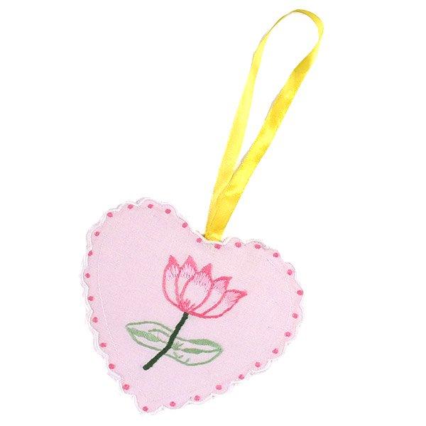 蓮の花刺繍サシェ