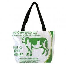 ベトナム 飼料袋 リメイク バッグ(肩掛けOK マチ付き ウシ)