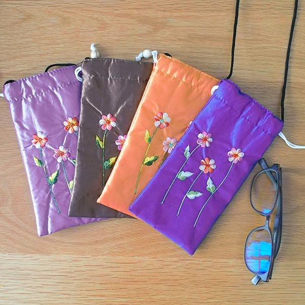 ベトナム 花刺繍 メガネケース A(紐付き 斜めがけOK)【画像6】