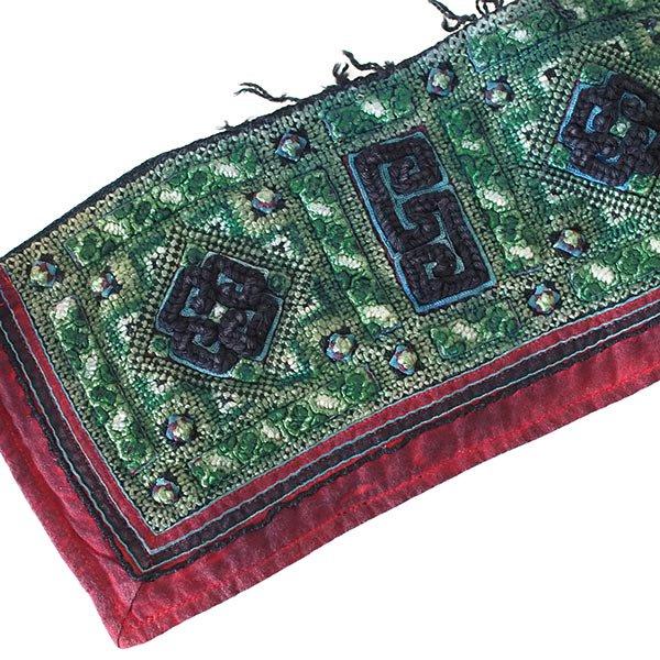 ベトナム 山岳民族 黒モン族 刺繍 古布 C (1点もの リメイク素材)
