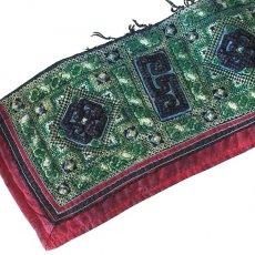 ベトナム 民族 ベトナム 山岳民族 黒モン族 刺繍 古布 C (1点もの リメイク素材)