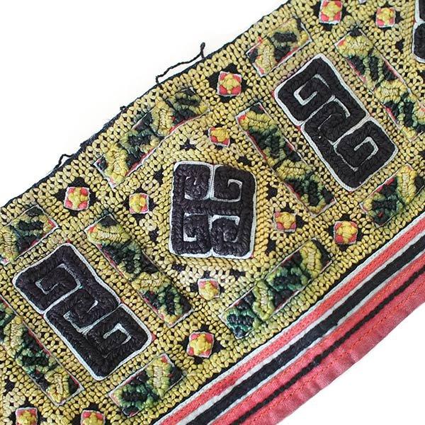 ベトナム 山岳民族 黒モン族 刺繍 古布 D (1点もの リメイク素材)【画像3】