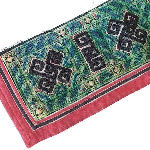 ベトナム 山岳民族 黒モン族 刺繍 古布 E (1点もの リメイク素材)
