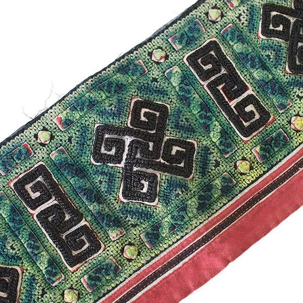 ベトナム 山岳民族 黒モン族 刺繍 古布 E (1点もの リメイク素材)【画像4】