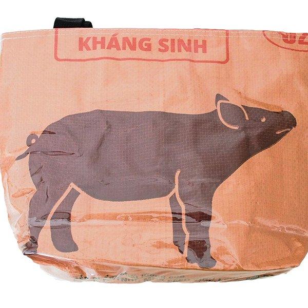 ベトナム 飼料袋 リメイク バッグ(肩掛けOK マチ付き ブタ ブラウン )【画像3】