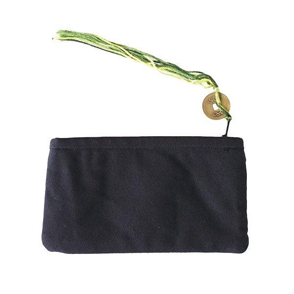 ベトナム 黒モン族 古布 刺繍 ポーチ(タッセル付き 長方形 ブラック)【画像2】