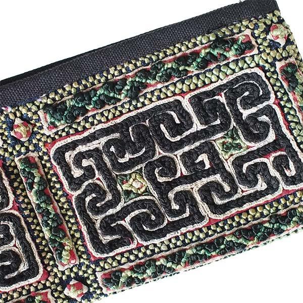ベトナム 黒モン族 古布 刺繍 ポーチ(タッセル付き 長方形 ブラック)【画像3】