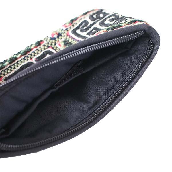 ベトナム 黒モン族 古布 刺繍 ポーチ(タッセル付き 長方形 ブラック)【画像4】
