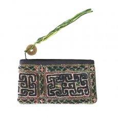 ベトナム 少数民族 黒モン族 古布 刺繍 ポーチ(タッセル付き ブラック 9×17)民族 刺繍 / ベトナム直輸入